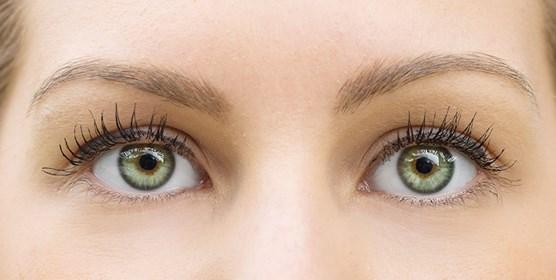 איך לטפח את אזור העיניים